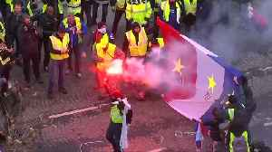 French police clash with 'yellow vest' protesters on Champs Elysees [Video]