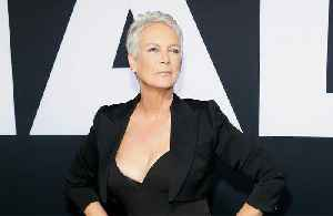 Jamie Lee Curtis criticises Kevin Hart for old homophobic tweets [Video]