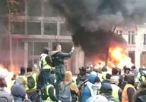 News video: Fires Burn on Paris Streets as Violent Yellow Vest Protests Continue