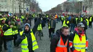 French police clash with 'yellow vest' protesters in Paris [Video]