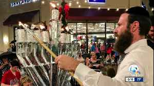 Fifth annual Hanukkah celebration held at Palm Beach Outlets [Video]