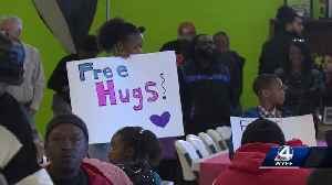 Hundreds enjoy a warm meal and entertainment at Spartanburg Soup Kitchen [Video]