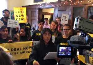 News video: Young Climate Activists Stage #GreenNewDeal Protest at Leading Democrats' Offices