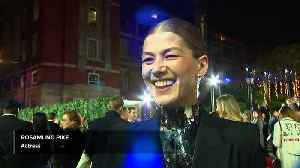 Brexit like 'accidently baring your nipple' - Rosamund Pike at Fashion Awards [Video]
