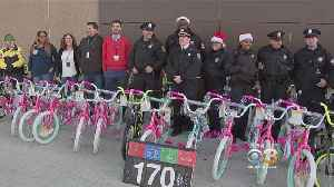 Philly Police, Walmart Team Up To Make Season Brighter For Local Students [Video]