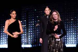Duchess of Sussex makes surprise appearance at Fashion Awards [Video]