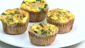 Making egg muffins with Dietician Amanda Nighbert and Chef Allison Davis [Video]