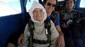 102-year-old Australian becomes world's oldest skydiver [Video]