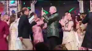 At celebrity Indian wedding the Clintons danced with Bollywood superstars [Video]