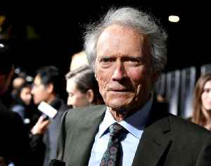 Clint Eastwood still going skiing at the age of 88 [Video]