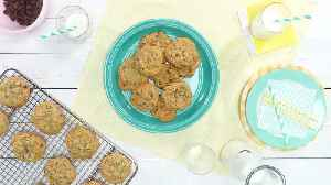 Chewy Chocolate Chip Cookies [Video]
