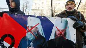 Ukraine's Orthodox Church makes historic split from Russia [Video]