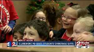 Claremore pd gives students christmas gifts [Video]