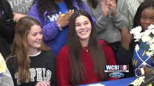 Tupelo's Watts signs with ICC softball [Video]