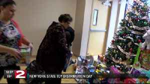 Cuomo administration comes to Utica with toys for kids [Video]