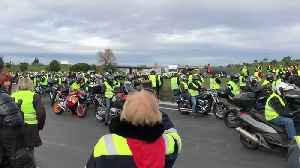 Motorcycle Riding 'Yellow Vests' Blockade Toll Booth Near French Border with Spain [Video]