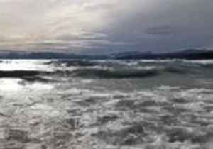 Fierce Winds Whip Waves on Lake Tahoe [Video]