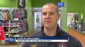 Police finish shopping for Gifts for Teens [Video]
