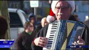Garland district's holiday celebration grows in second year [Video]