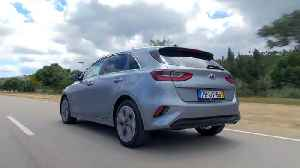 The new Kia Ceed in Lunar Silver Driving Video [Video]