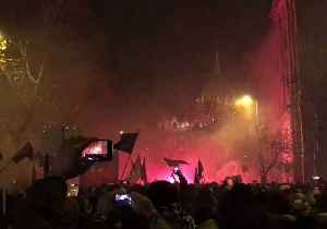 Protesters Amass Outside Hungary's Parliament for Fifth Evening of Demonstrations [Video]