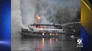 Crews battle boat fire on Siuslaw River [Video]