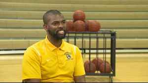 Deaf basketball coach serves as an inspiration to his players [Video]