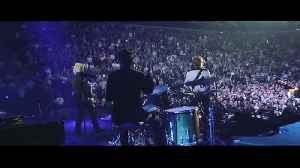 Paul, Ringo and Ronnie rock the O2 in London [Video]