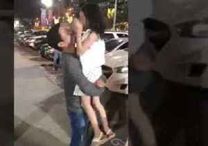 Forget Jack in the Box ... Girl Receives 'Dad in the Box' in Surprise Christmas Reunion [Video]