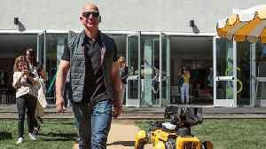 Jeff Bezos Got So Rich in 2018 That He Now Makes More Per Minute Than You Do in a Year [Video]