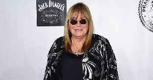 Penny Marshall, Beloved Sitcom Star and A League of Their Own Director, Dies at 75 [Video]