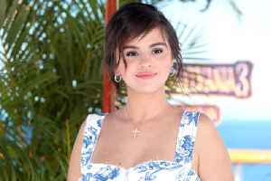 Selena Gomez Seen in First Photos Since Entering Treatment [Video]