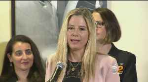 Mira Sorvino, Rosanna Arquette Call Attention To #MeToo-Inspired Laws [Video]