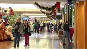 VIDEO: Shoppers hit the stores for last-minute gifts [Video]