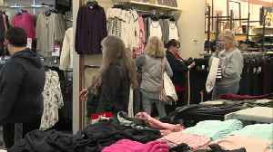 Honey Creek Mall stores get ready for last minute Christmas shopping rush [Video]