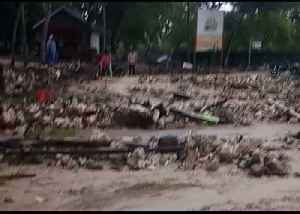Deadly Indonesia Tsunami Leaves Trail of Destruction at South Lampung Beach [Video]