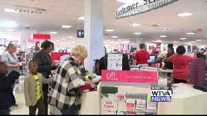 Stores prepare for last-minute Christmas shoppers [Video]