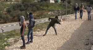 Israeli Soldiers and Students Clash in West Bank [Video]