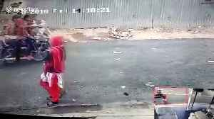 Woman has nasty fall from scooter when thief snatches her necklace [Video]