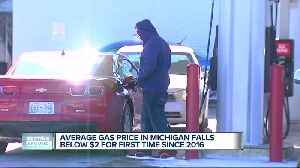 Average gas prices in Michigan drop below $2/gallon for first time since April 2016 [Video]
