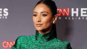 Shay Mitchell revealed she had a miscarriage in 2018, and called on fans to make this uplifting New Year's resolution [Video]