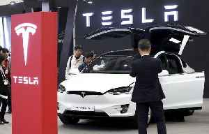 Tesla Shares Tumble as Miss on Car Deliveries Spooks Investors [Video]