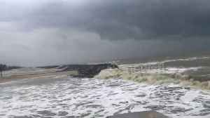 Rough seas in southern Thailand as tropical storm approaches [Video]