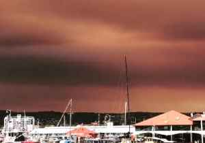 Bushfire Smoke Blankets Sky Above Hobart, Tasmania [Video]