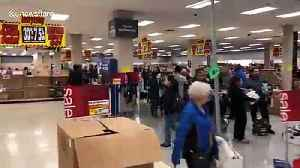 Shoppers get their hands on bargain buys ahead of Sears closure [Video]