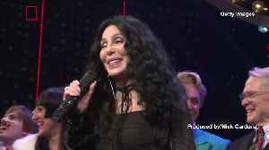 Cher Wades Into Government Shutdown Battle, Calls on Democrats to End the Shutdown [Video]