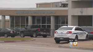 Threatening Texts Lead To More Security At North Texas High School [Video]