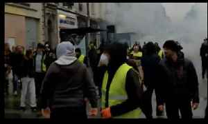 Yellow Vest Protesters Flee Tear Gas Amid Violent Clashes in Rouen [Video]