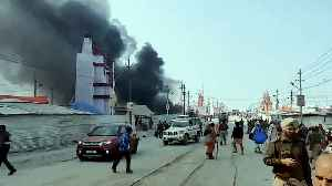 Massive fire at a camp in Kumbh Mela at Prayagraj triggers panic [Video]