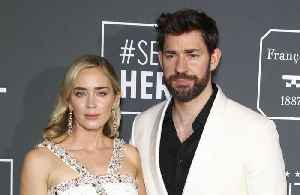 News video: John Krasinski dedicates Critics' Choice win to family